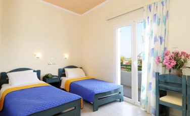 Aegina Island HOTEL |  | ROOMTYPES Triple  Room